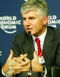 """""""Zoran Đinđić, Davos"""" by World Economic Forum from Cologny, Switzerland - World Economic Forum Annual Meeting Davos 2003. Licensed under CC BY-SA 2.0 via Wikimedia Commons - https://commons.wikimedia.org/wiki/File:Zoran_%C4%90in%C4%91i%C4%87,_Davos.jpg#/media/File:Zoran_%C4%90in%C4%91i%C4%87,_Davos.jpg"""