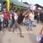 Ponosne izbeglice – neće vodu i hranu od mađarske policije