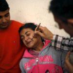 Palestinci nemaju lekove pa koriste ubod pčele kao zamenu (VIDEO)