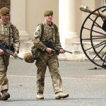 Britanska vojska upozorila trupe da ne nose uniforme van vojnih baza